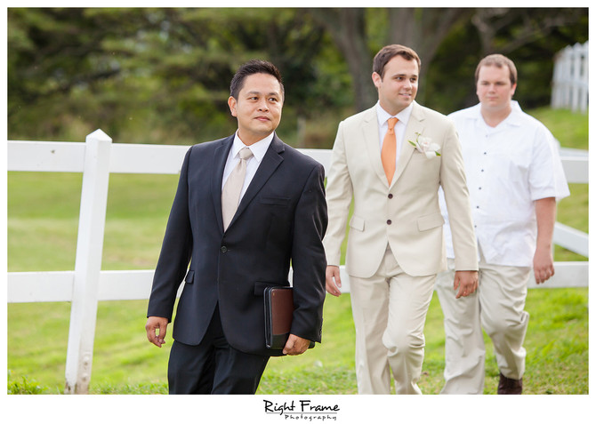 Hawaii Wedding Minister and Officiant  :  Minutes before the wedding