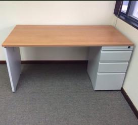 Smal Desk with pedestal