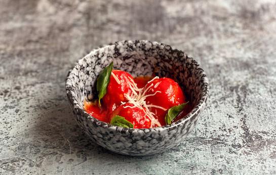 Фрикадельки из говядины с томатным соусом