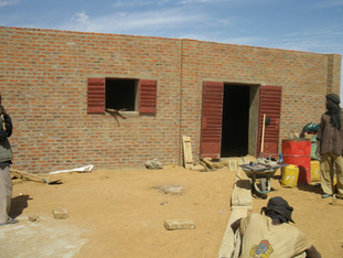 Toladjé: l'extension de l'école en briques, janvier 2012