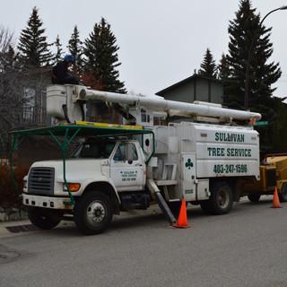 Equipment Bucket truck aerial lift cherr