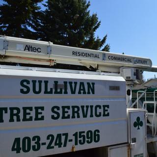 Equipment aerial lift bucket truck cherr