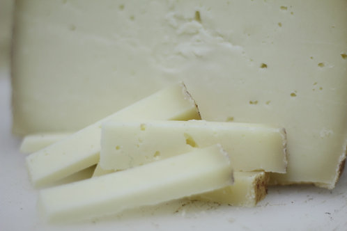 OLD RESERVE SHEEP´S CHEESE FROM LA MANCHA WITH EXTRA VIRGIN OLIVE OIL