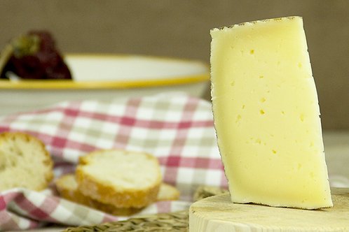 CURED SHEEP´S CHEESE FROM LA MANCHA