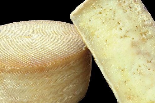 OLD RESERVE SHEEP´S CHEESE FROM LA MANCHA WITH LARD