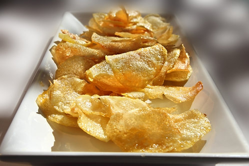 CRISPS WITH RED CAVIAR FLAVOUR
