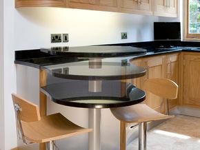 Kitchen seating: the versatile breakfast bar