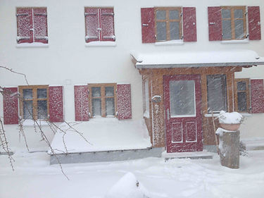 Snowyhouse.JPG