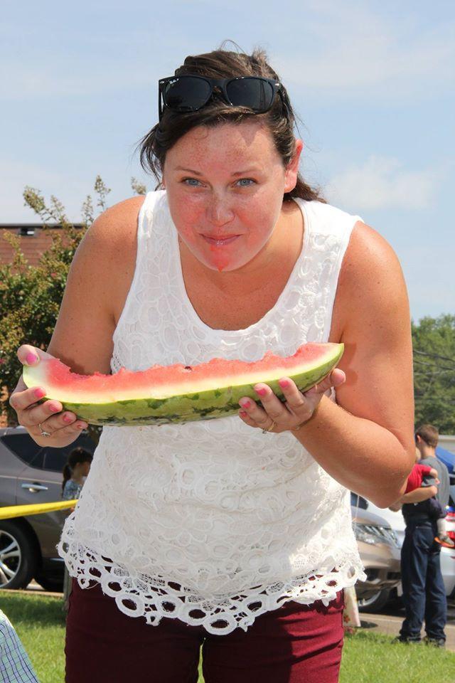 Suzanne-Fischer-Brooks-WM-Eating-Contest