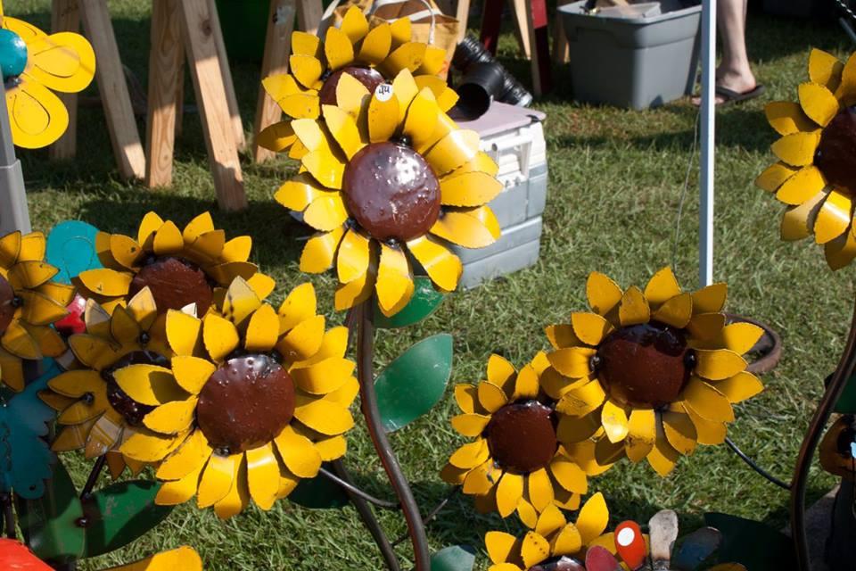Vendor-metal-sunflowers-by-Chris-Hart-.j