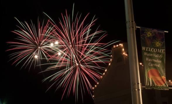 WM-fireworks-1-by-Chris-Hart--e149504867