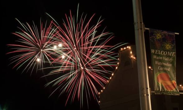 WM-fireworks-1-by-Chris-Hart--e149504867