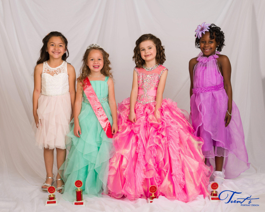 2017 Watermelon Pageant: Tiny Miss