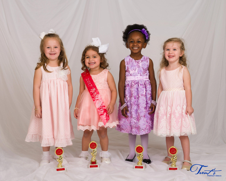 2017 Watermelon Pageant: Petite Miss