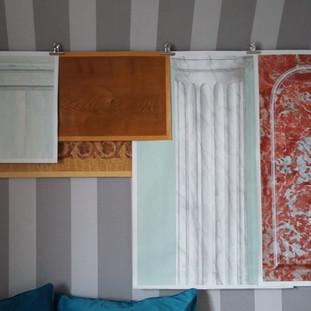 Echantillons imitation de matières et trompe-l'oeil ; Marbres (Rouge royal et Blanc de Carrare), Bois (Erable, Loupe d'orme et chène), patine et moulures