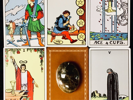 New Moon in Gemini: What Do the Cards Have to Say?