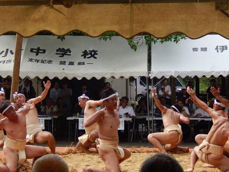 油井の豊年祭(旧暦8月15日)