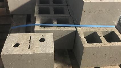 betonblokken hol, gladde afwerking