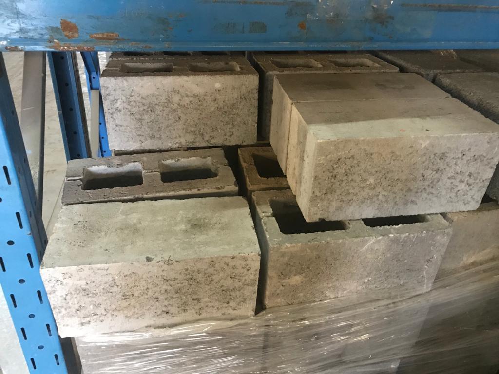 betonblokken hol