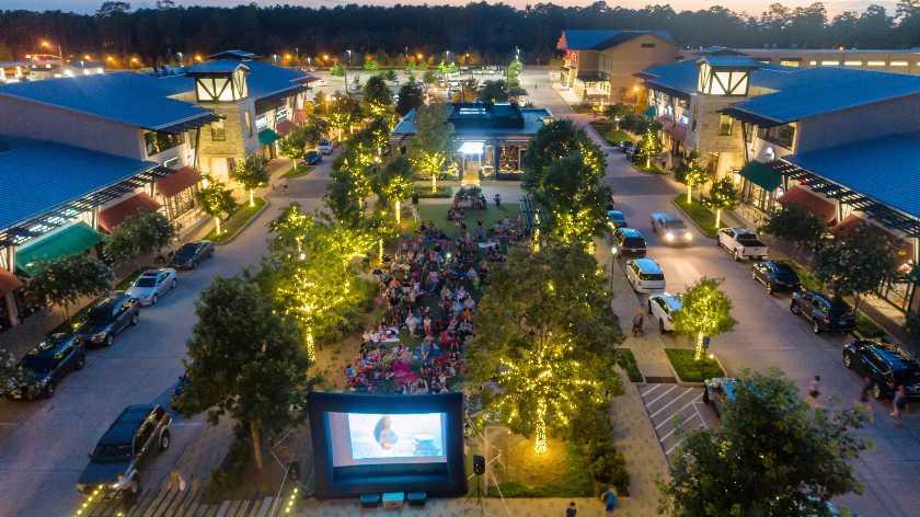 Creekside_Park_Movie_Night.jpg