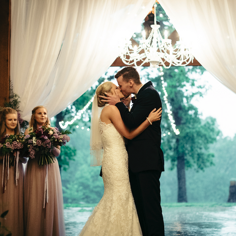 Photography: The North Lens Venue: Barn at the Springs Florals: Pigmint