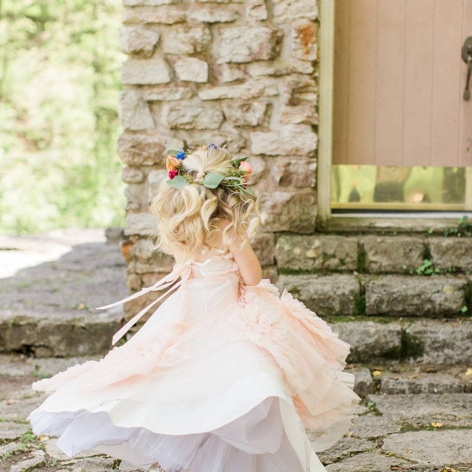Photography: Erin Wilson Venue: Rockford Grange Florals: Vase and Vine