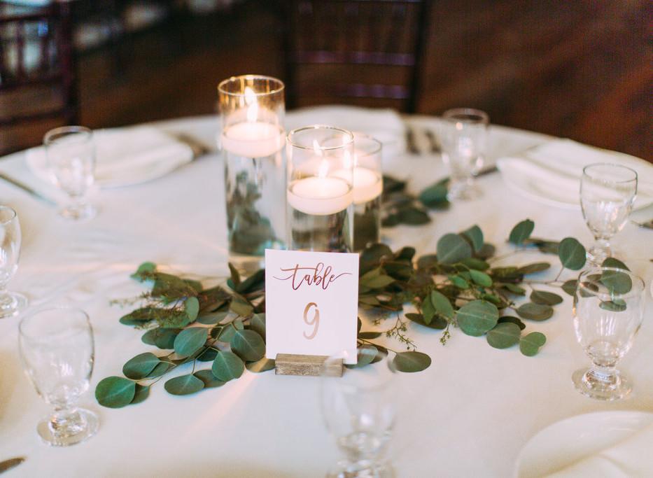 Photography: Jo Johnson Photography Venue: The Ravington Florals: Zuzu's Petals