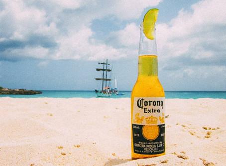Você sabe por que se toma cerveja Corona com limão?