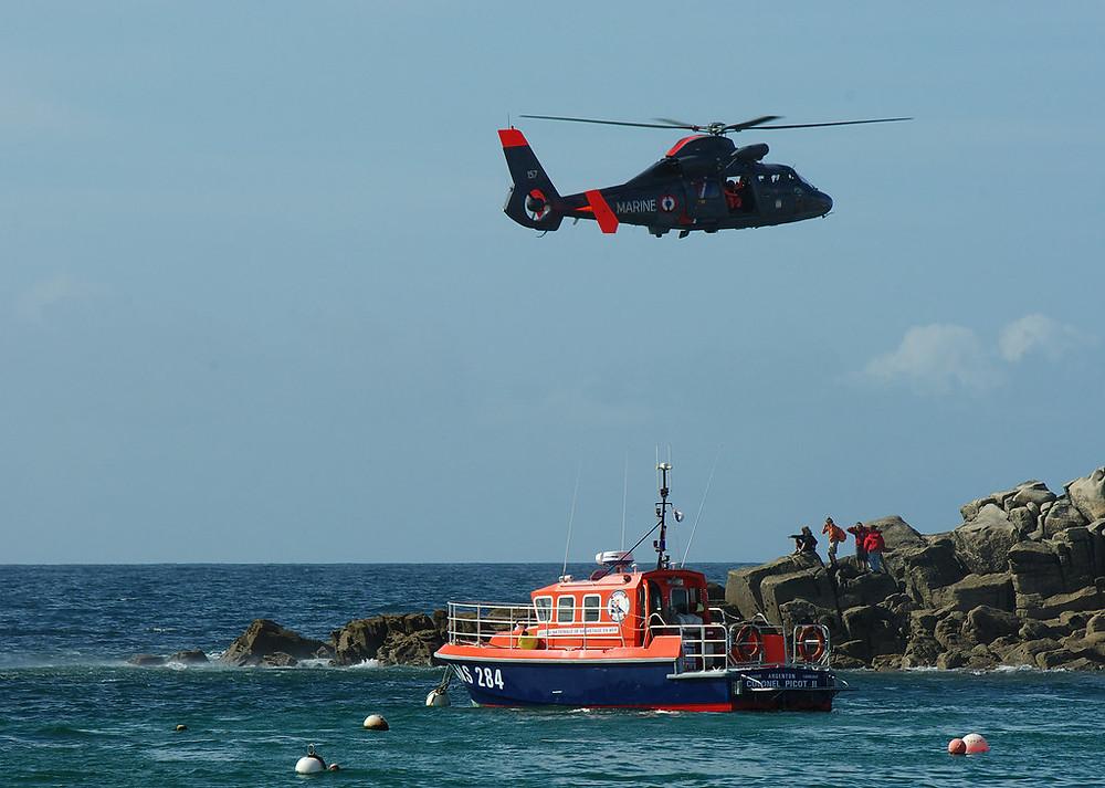SNSM nationale société sauvetage en mer bateau hélicoptère
