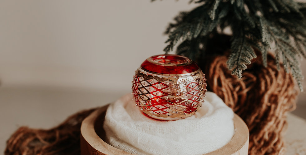 Red and Gold Lattice Candle Holder