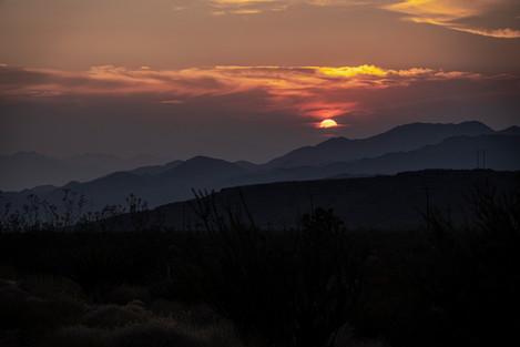 desert sunet.jpg