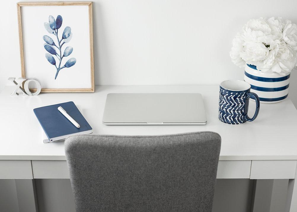 desk .jpg