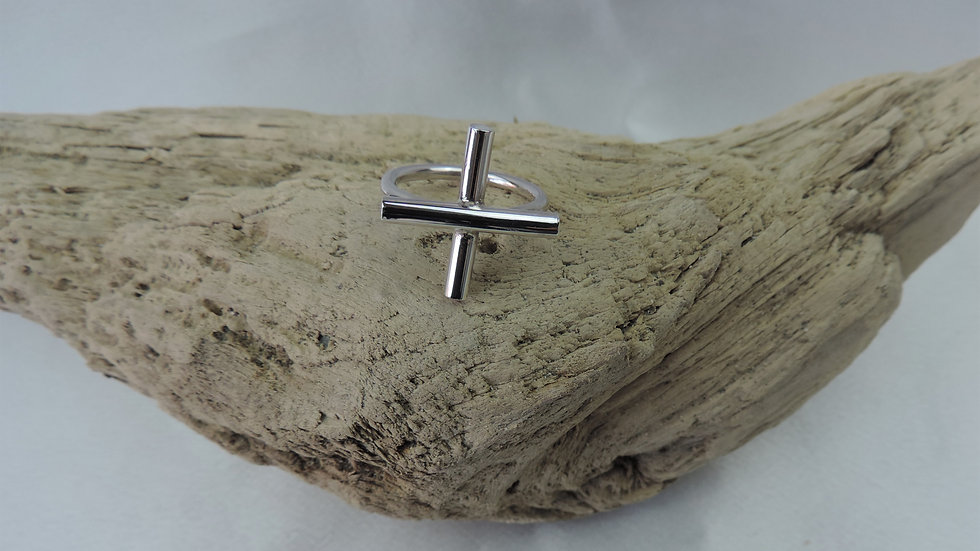 Courtney Ring - Chunky Silver Cross Ring