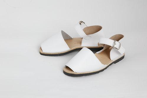 Children's buckle avarcas - white leather