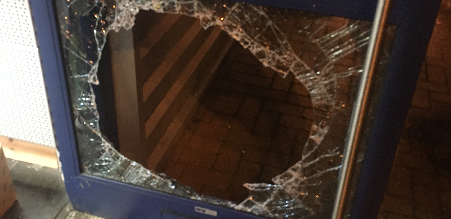 broken glass break in swindon