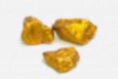 pila-pepitas-oro-o-mineral-oro-sobre-fon