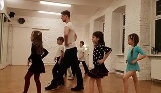 """Танцевальная студия """"Focus Dance"""". Группа Lady Dance 1-го года обучения. Вариация ча-ча-ча, 16.12.2018."""