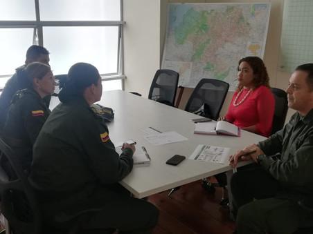 Policía del Cauca y Anne Frank tejen alianza en favor de las mujeres caucanas
