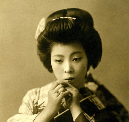 geisha-439324_960_720.jpg