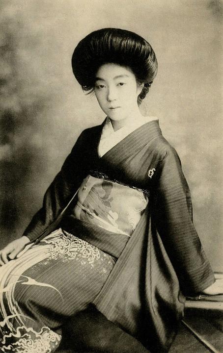 geisha-439326_960_720.jpg