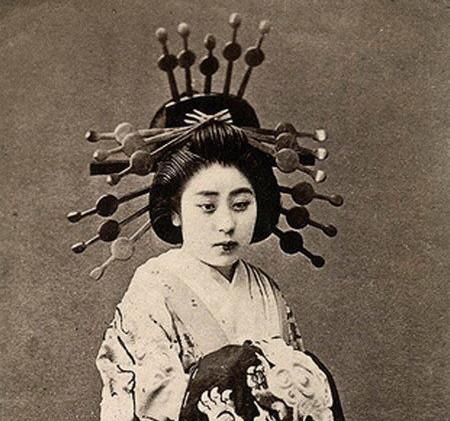history-of-prostitution-japan-oiran.jpg