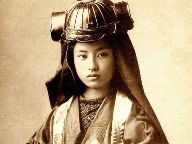 nakano-takeko-samurai.jpg
