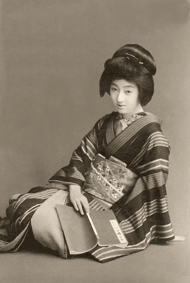vintage-women-beauty-1900-1910-156__605.