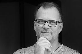Olaf Schubert Portrait 2019_2sw.jpg