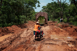 Nach_starken_Regengüssen_in_Tanzanias_W