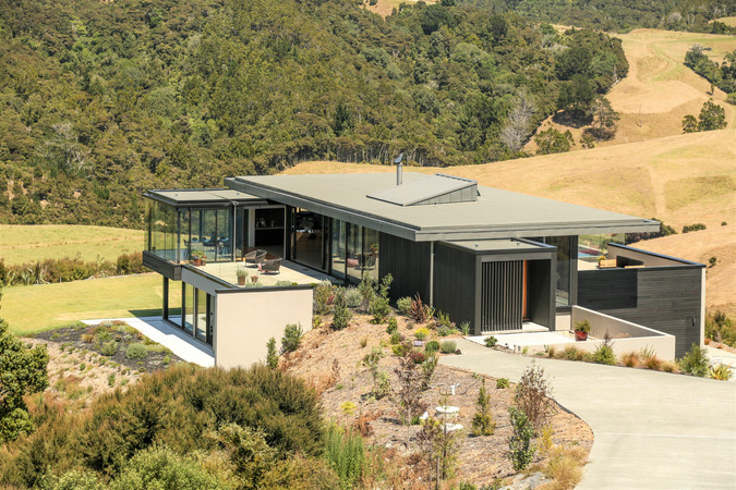 Breamtail House Nuraply 3PM roof in Slate.
