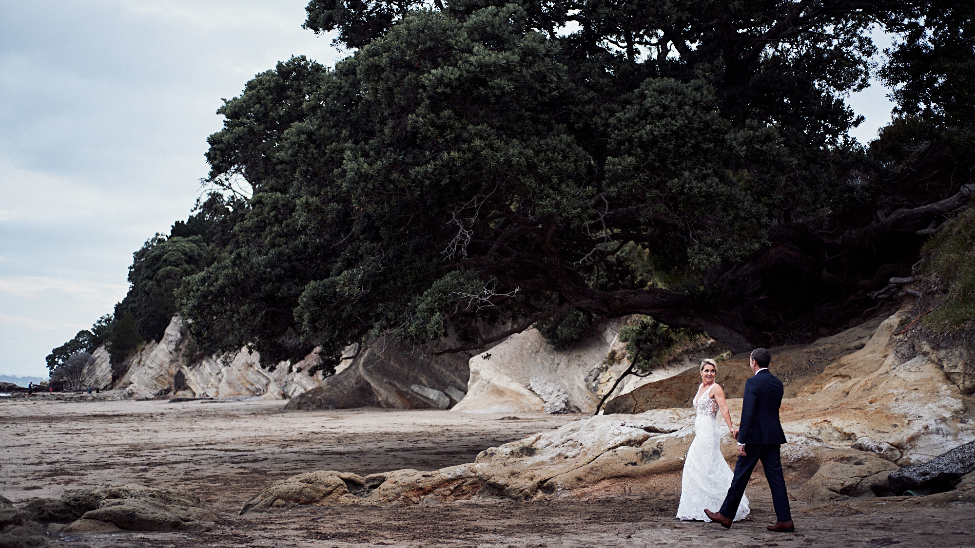 Narrow Neck Beach wedding