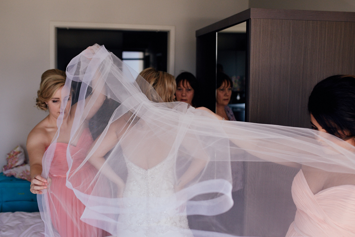 dress veil wedding