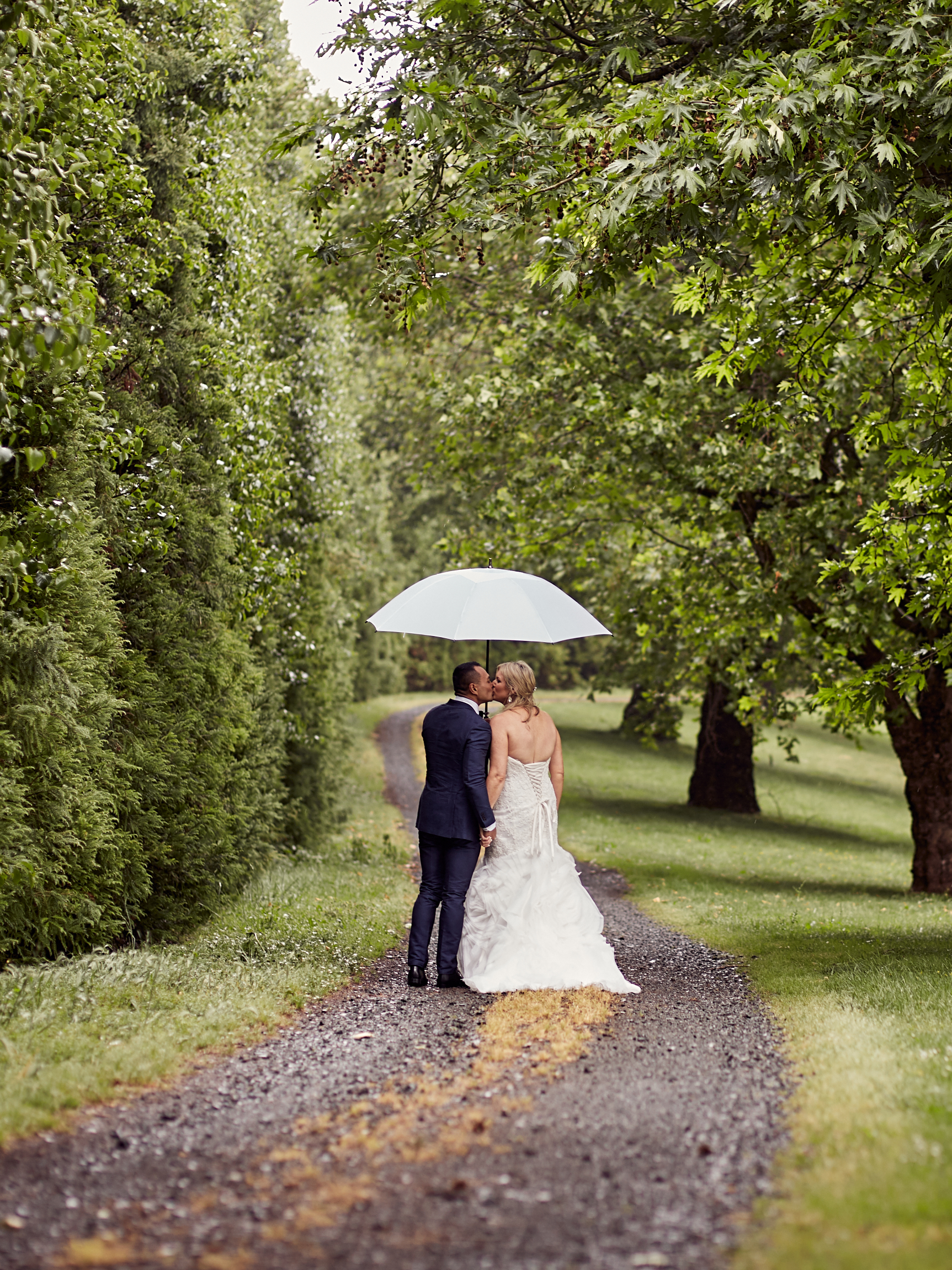 rainy Auckland wedding photography