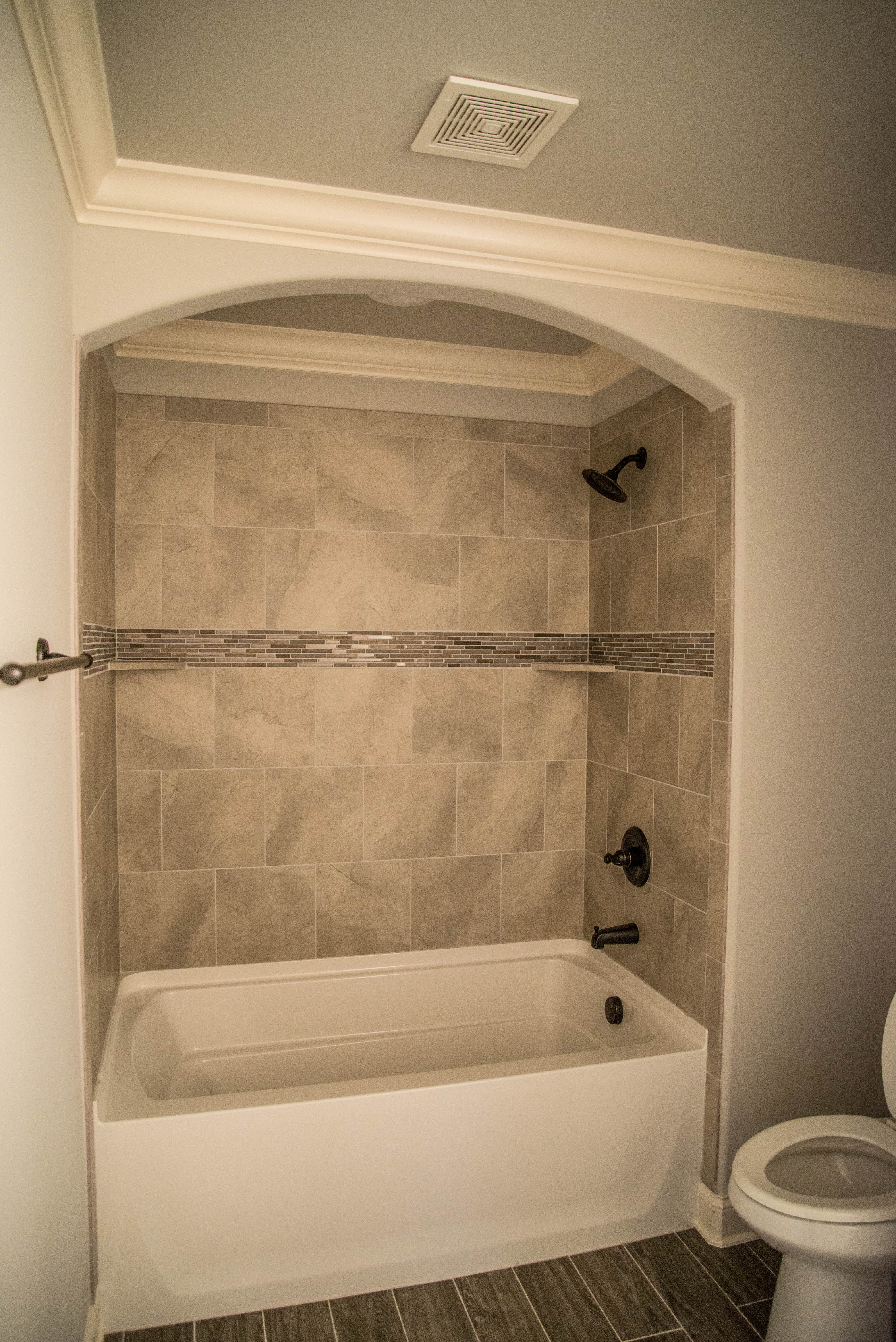 AR311-secondary bathroom